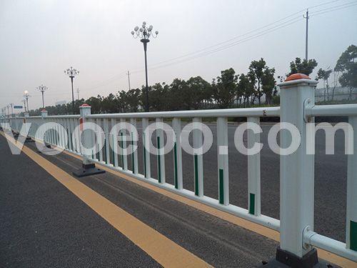 道路中心隔离护栏